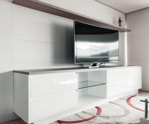 Huiseigenaren kunnen flink besparen op internet, tv en bellen